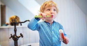 اعرفى أسباب انتشار رائحة الفم الكريهة عند طفلك.. أبرزها التهاب اللوزتين