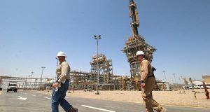العراق يوقع عقد حفر 96 بئراً نفطياً في أكبر حقول البصرة