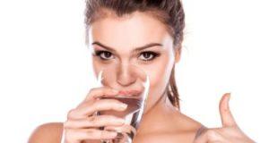 فوائد شرب الماء فى فصل الصيف.. تحافظ على رطوبتك وتحسن مزاجك