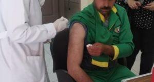 محافظ المنوفية يطلق مبادرة لتطعيم عمال النظافة ضد الالتهاب الكبدى