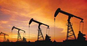 مستويات الـ100 دولار لبرميل النفط تداعب المتعاملين بعد زخم توقعات الصعود