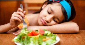سوء التغذية من أسباب تقزم الأطفال.. اعرف السبب