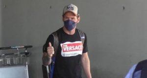 ليونيل ميسي يعود إلى برشلونة استعدادا لتجديد تعاقده.. فيديو