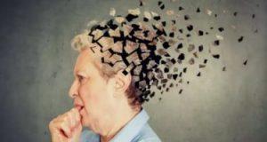5 علامات مبكرة تدل على الإصابة بالخرف.. منها فقدان الذاكرة وتغير المزاج