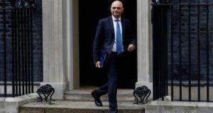 وزير الصحة البريطانى قلق إثر تزايد المصابين بأعراض طويلة الأمد لكورونا